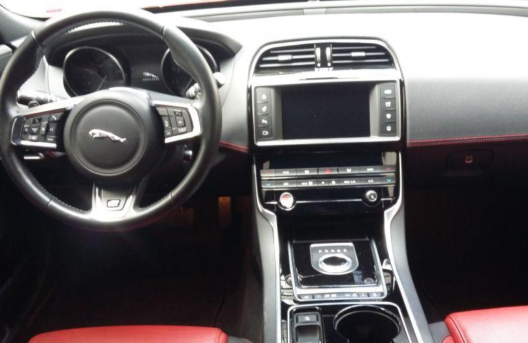 Jaguar XE 2.0 GTDI R-Sport - Foto #7