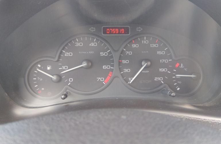 Peugeot 206 Hatch. Sensation 1.4 8V (flex) - Foto #2