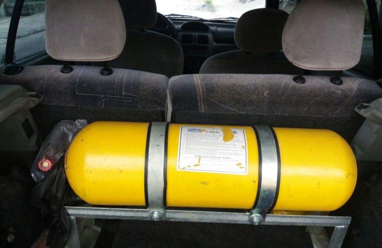 Renault Clio Hatch. Privilége 1.6 16V (flex) - Foto #2