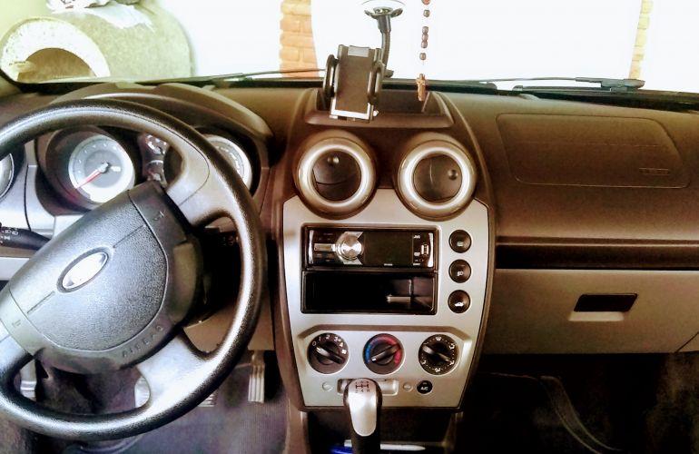 Ford Fiesta Sedan 1.6 Rocam (Flex) - Foto #10