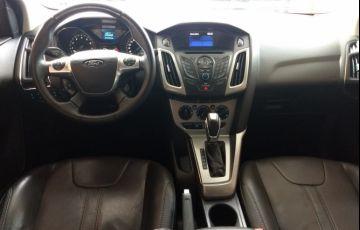 Ford Focus Hatch SE 1.6 16V TiVCT PowerShift - Foto #9