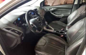 Ford Focus Hatch SE 1.6 16V TiVCT PowerShift - Foto #10