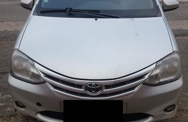 Toyota Etios Sedan X 1.5 (Flex) - Foto #1