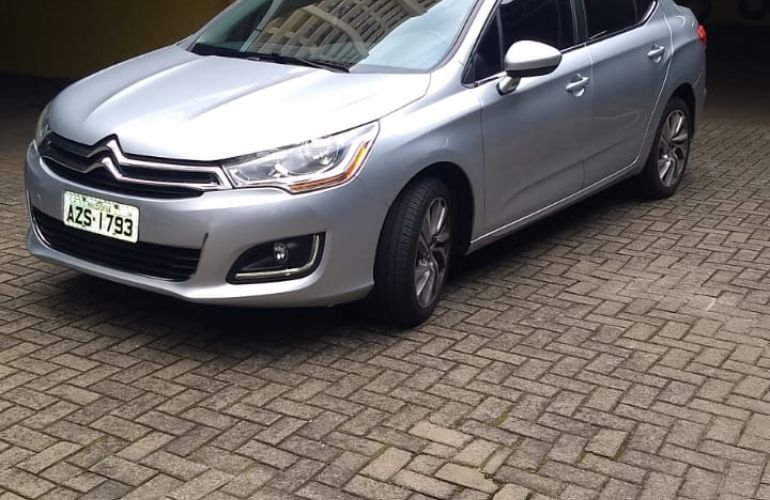 Citroën C4 Lounge Tendance 2.0 16V (Flex) - Foto #1