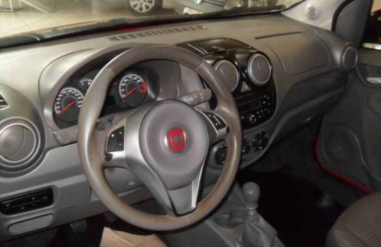 Fiat Palio Attractive 1.0 8V (Flex) - Foto #4