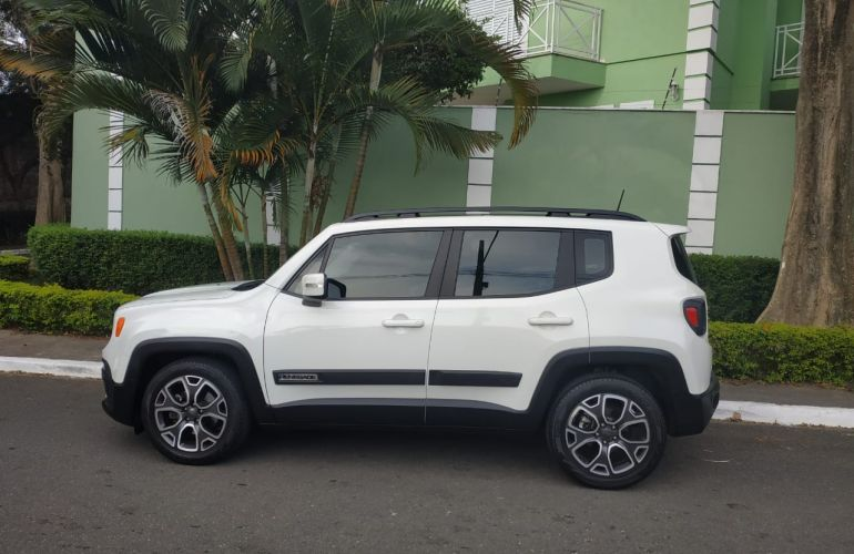 Jeep Renegade Longitude 1.8 (Aut) (Flex) - Foto #1