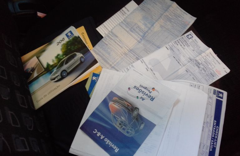 Peugeot 206 Hatch. Presence 1.4 8V (flex) - Foto #5
