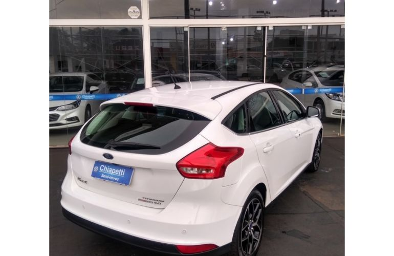 Ford Focus Hatch Titanium 2.0 16V (Aut) - Foto #3