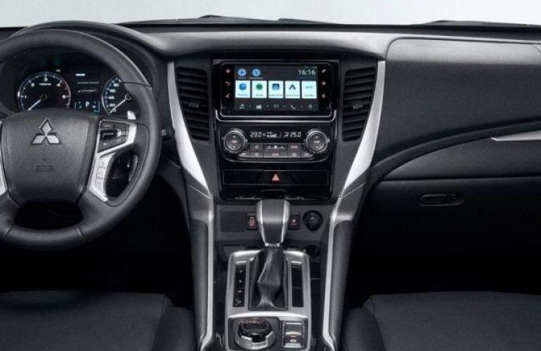 Mitsubishi Pajero SPORT HPE AWD 2.4 16V MIVEC TURBO DIESEL - Foto #3