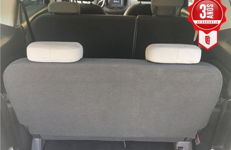 Chevrolet Spin 1.8 LTZ 8V Flex 4p Automático - Foto #2