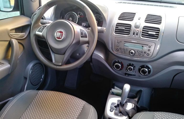 Fiat Grand Siena Essence 1.6 16V Dualogic (Flex) - Foto #3