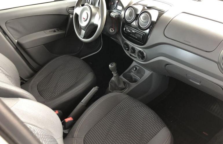 Fiat Palio Attractive 1.0 Evo (Flex) - Foto #9