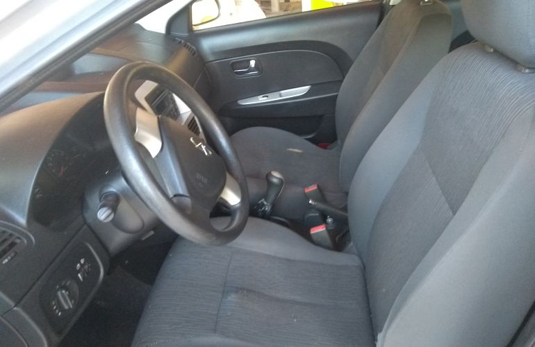 Chery Celer Sedan 1.5 16V (Flex) - Foto #7