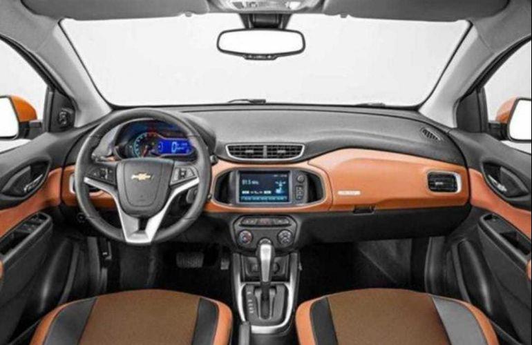 Chevrolet Onix 1.4 Activ SPE/4 (Aut) - Foto #2