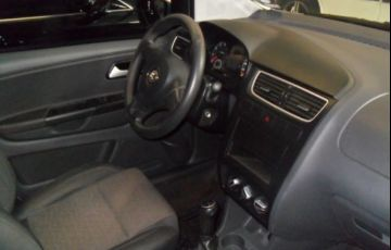 Volkswagen Fox 1.0 Mi 8V Total Flex - Foto #5