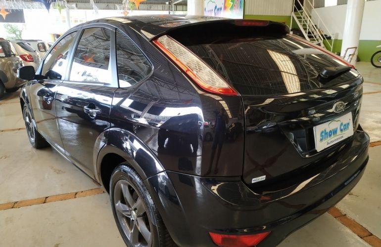Ford Focus Hatch 1.8 16V - Foto #5