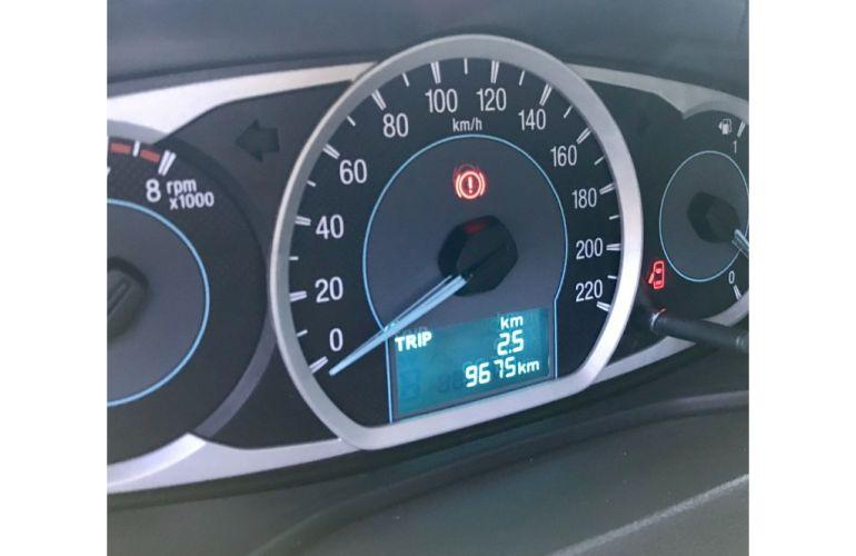 Ford Ka 1.5 SE Plus (Flex) - Foto #8