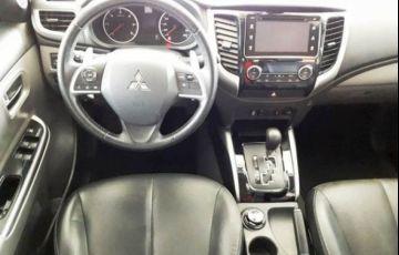Mitsubishi L200 Sport HPE Top 4X4 Cabine Dupla 2.4 Turbo Diesel 16V - Foto #9
