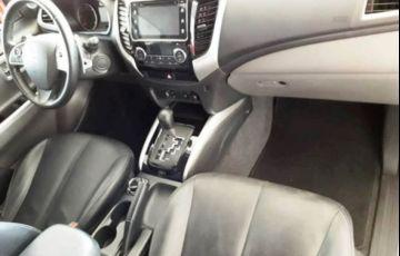 Mitsubishi L200 Sport HPE Top 4X4 Cabine Dupla 2.4 Turbo Diesel 16V - Foto #10