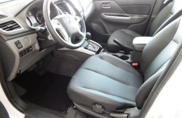 Mitsubishi L200 Sport HPE 4X4 Cabine Dupla 2.4 Turbo Diesel 16V - Foto #8