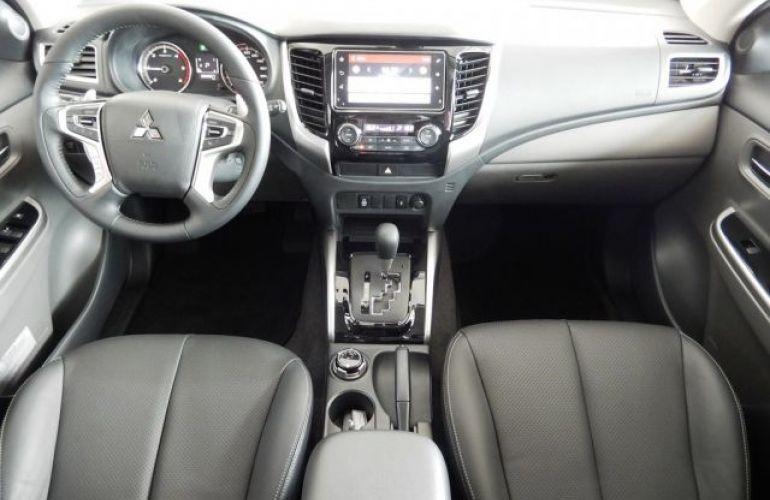 Mitsubishi L200 Triton Sport HPE 4WD 2.4 - Foto #7
