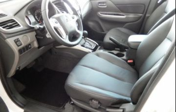 Mitsubishi L200 Triton Sport HPE 4WD 2.4 - Foto #8