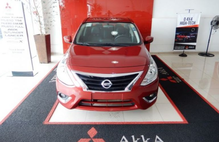 Nissan Versa UNIQUE 1.6 16V Flex - Foto #2