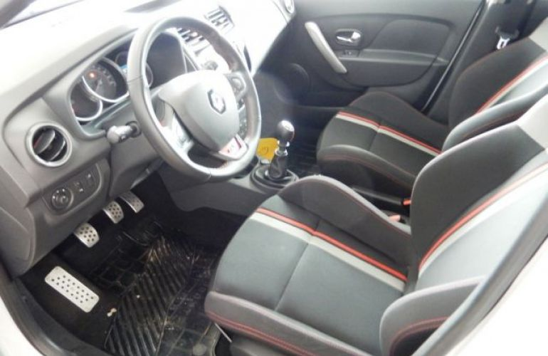 Renault Sandero RS 2.0 16V (Flex) - Foto #10