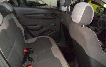 Chevrolet Onix LS 1.0 MPFI 8V - Foto #7