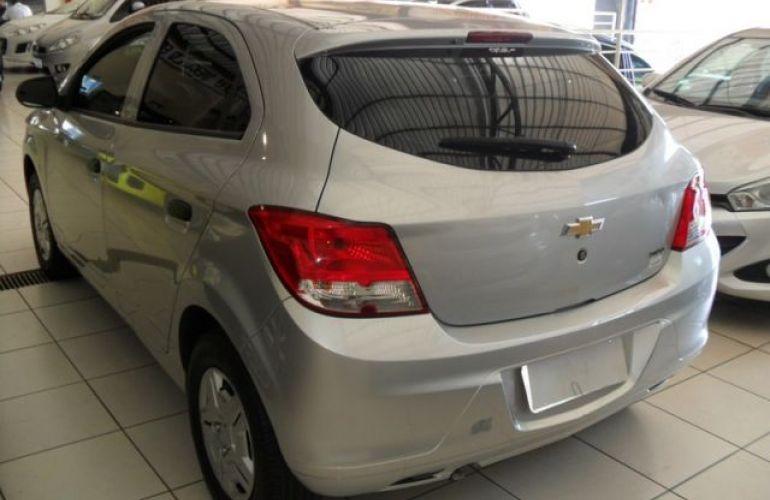 Chevrolet Onix LS 1.0 MPFI 8V - Foto #8