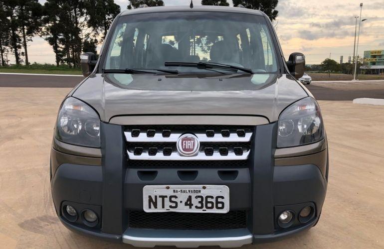 Fiat Doblò Adventure Locker 1.8 16V (Flex) - Foto #2