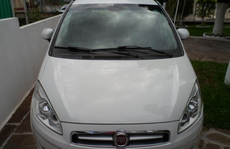 Fiat Idea Essence 1.6 16V E.TorQ (Flex) - Foto #1