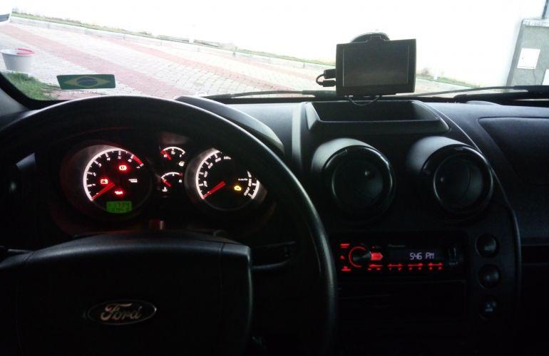 Ford Fiesta Hatch Rocam 1.0 (Flex) - Foto #10