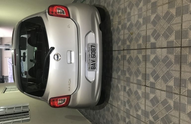 Nissan March 1.0 12V SV (Flex) - Foto #2