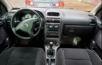 Chevrolet Astra Hatch 2.0 (Flex) - Foto #6