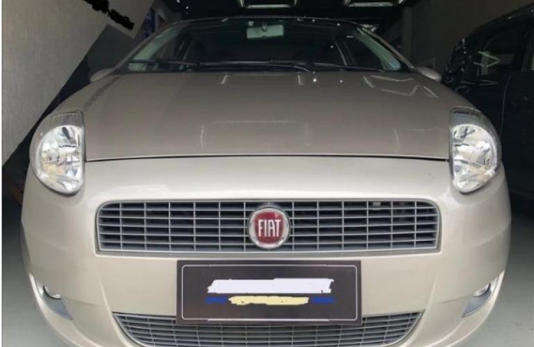 Fiat Punto Essence 1.8 16V (Flex) - Foto #1