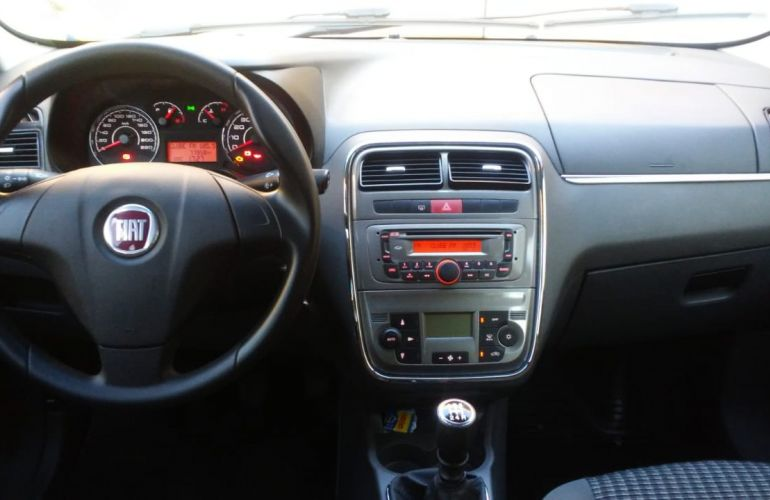 Fiat Punto Essence 1.8 16V (Flex) - Foto #2
