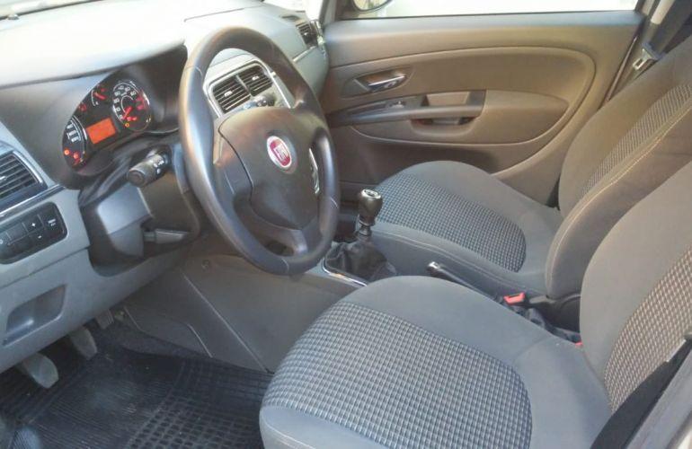 Fiat Punto Essence 1.8 16V (Flex) - Foto #3