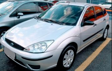 Ford Focus Hatch GL 1.6 8V (Flex) - Foto #2