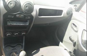 Renault Sandero Authentique 1.0 16V - Foto #10