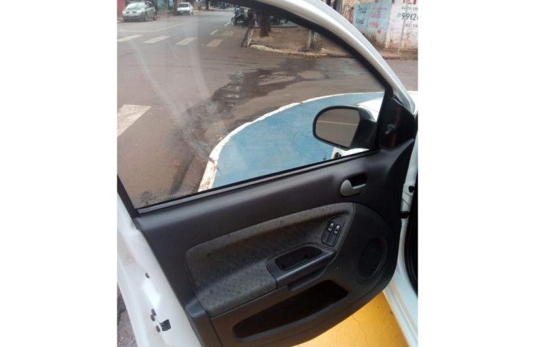 Ford Fiesta Hatch Class 1.6 (Flex) - Foto #8