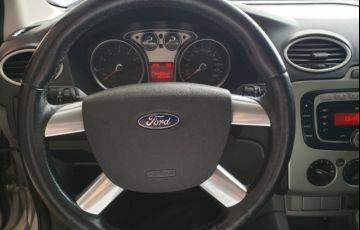 Ford Focus Sedan 2.0 16V (Aut) - Foto #10