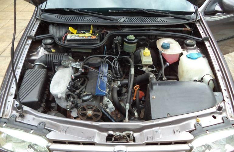 Volkswagen Gol GL 1.8 MI 2p - Foto #9