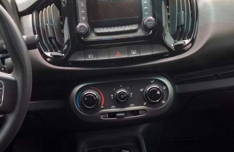 Fiat Uno Sporting 1.4 8V Dualogic (Flex) - Foto #4