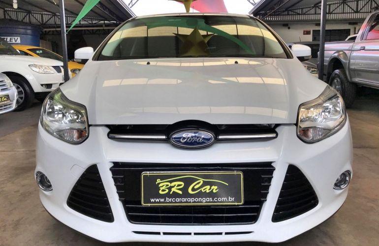 Ford Focus Sedan Titanium 2.0 PowerShift - Foto #2