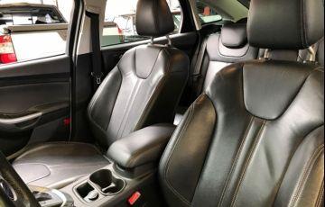 Ford Focus Sedan Titanium 2.0 PowerShift - Foto #10
