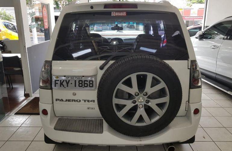 Kia Bongo 2.5 DLX 4X2 c simples RD com carrocaria - Foto #8