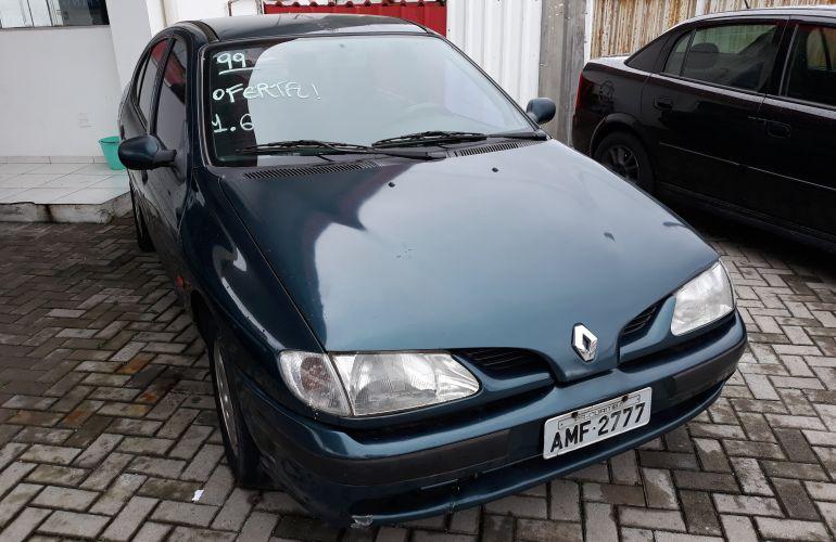 Renault Mégane Sedan RT 2.0 8V - Foto #6