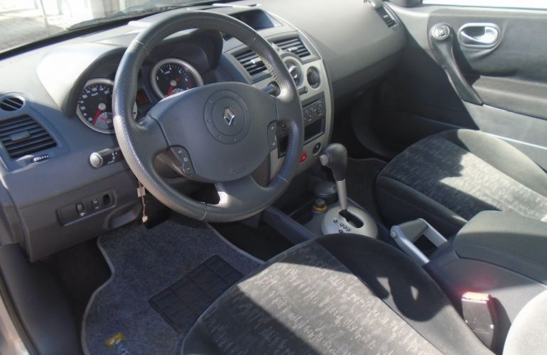 Renault Mégane Sedan Dynamique 2.0 16V (aut) - Foto #4