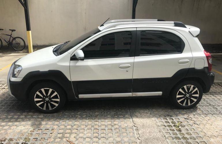 Toyota Etios Cross 1.5 (Flex) - Foto #1